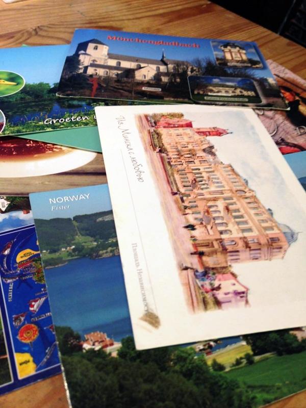Min samling av postkort fra rundt omkring i verden! Foreløpig er det bare 9 kort jeg har mottatt.